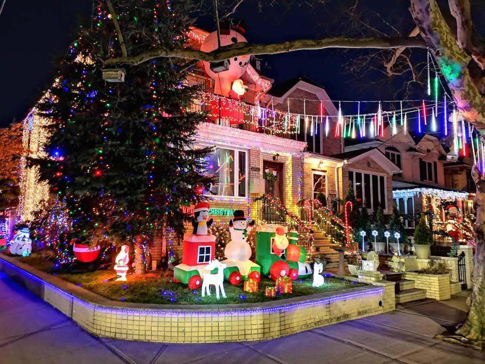 Dyker_Heights_Christmas_Dekoration