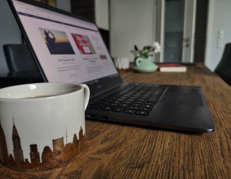 Blogparade_Lockdown_Tasse_Tee_Laptop_Blog