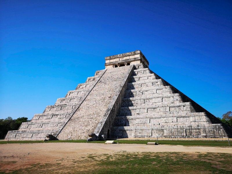 Mexiko_Yucatan_Chichen-Itza_kukulkan
