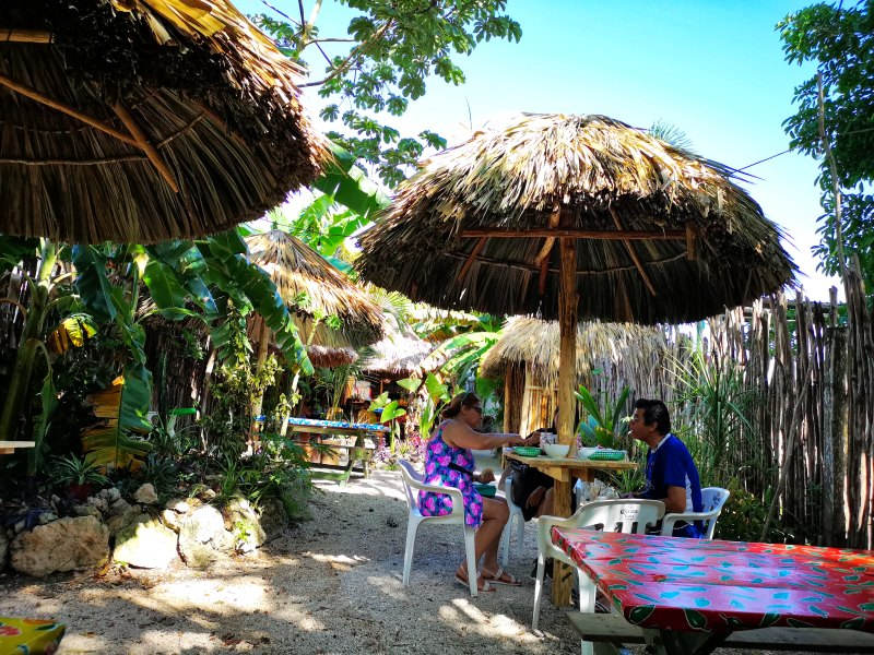 mexiko-yucatan-bacalar-la pina-frühstück