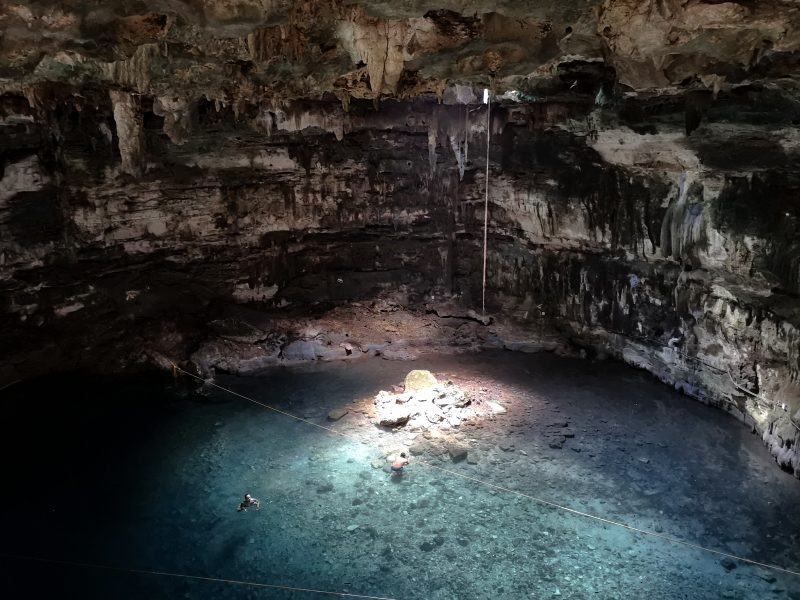Mexiko-yucatan-rundreise-unteriridische-cenote-homun village cenote merida