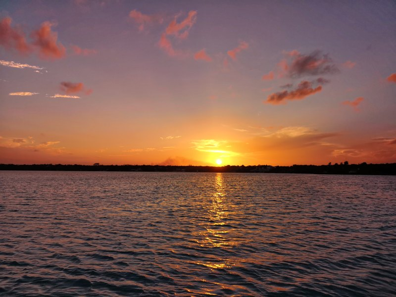 mexiko-yucatan-rundreise-lagune bacalar-sonnenuntergang
