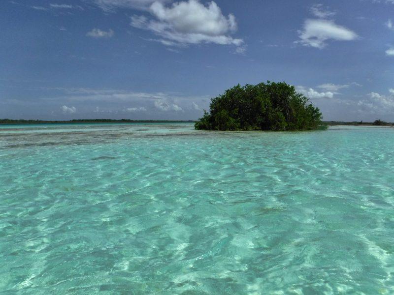 mexiko-yucatan-rundreise-lagune bacalar