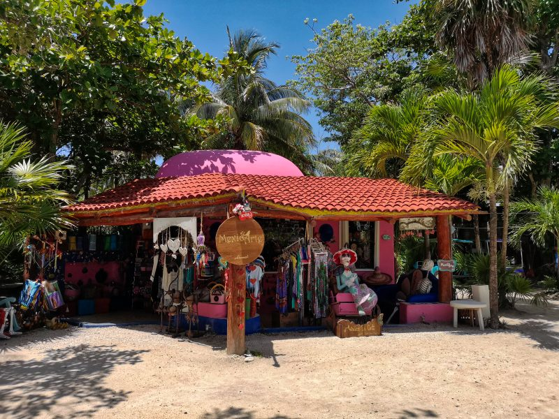 mexiko-yucatan-rundreise-tulum-stadt-shop
