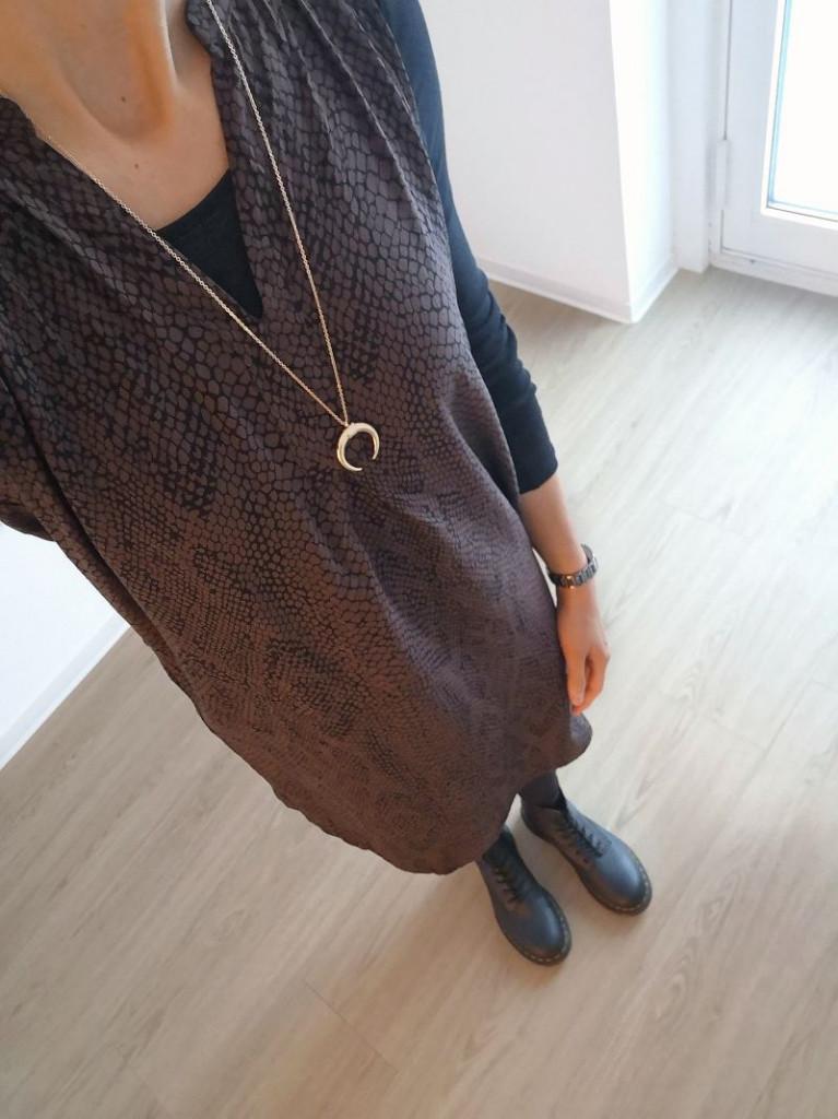 Stylekultur_Modeblog_Kulturblazer_Herbstmode_Dr.Martens_Kleid_Strumpfhose_Animalprint